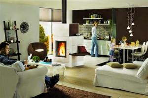 Grossflächige Keramikplatten sorgen bei diesem model (von Ulrich Brunner) nicht nur für wohlige Stimmung, sie speichern auch die Wärme. Selbst, wenn die Flammen erloschen sind, strahlt der Ofen noch stundenlang seine Energie in den Wohnbereich ab.